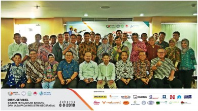 Diskusi Panel Sistem Pengadaan Barang dan Jasa Pada Industri Geospasial